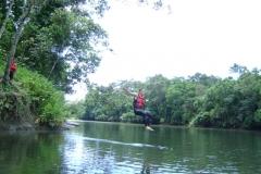 09-01-2011-Rodrigo-pulando