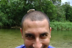 22-01-2011-Rodrigo-e-o-caranguejo-na-cabeca