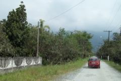 A caminho do rio Jaguareguava.