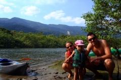 Subindo o rio Itapanhaú.